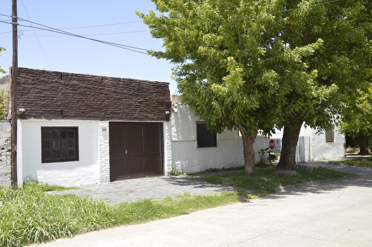 Foto Casa en Venta en  General Belgrano,  General Belgrano  Escalada y Ayacucho