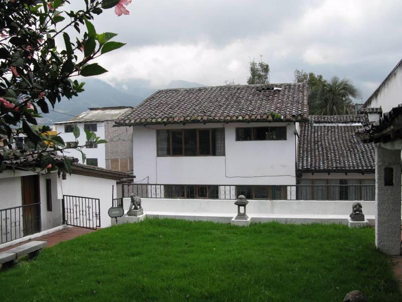 Foto Casa en Venta en  Centro Norte,  Quito  Joaquin Sumaita y Pasaje g