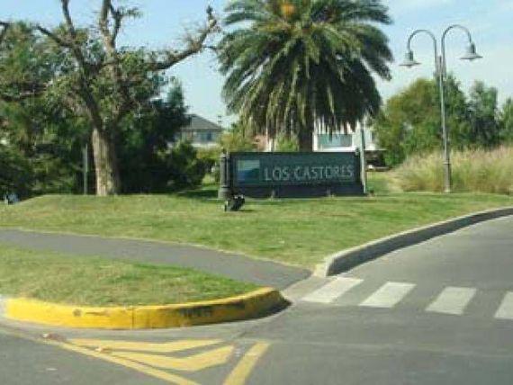 Foto Casa en Venta | Alquiler en  Los Castores,  Nordelta  Los Castores 2