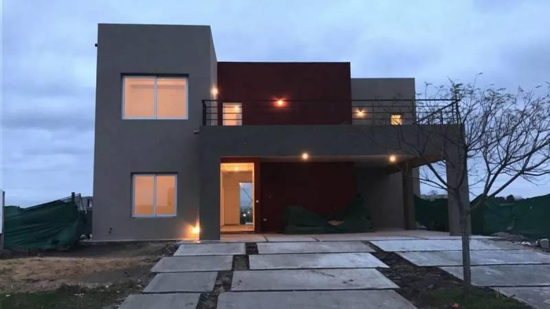 Foto Casa en Venta    en  El Canton,  Countries/B.Cerrado  Libertad 300