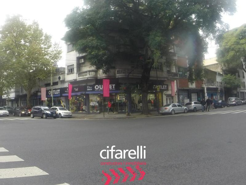 Foto Local en Venta en  Chacarita ,  Capital Federal  Av. Forest al 300