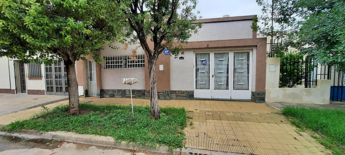 Foto Casa en Venta en  Sargento Cabral,  Santa Fe  PASAJE PARPAL al 1600