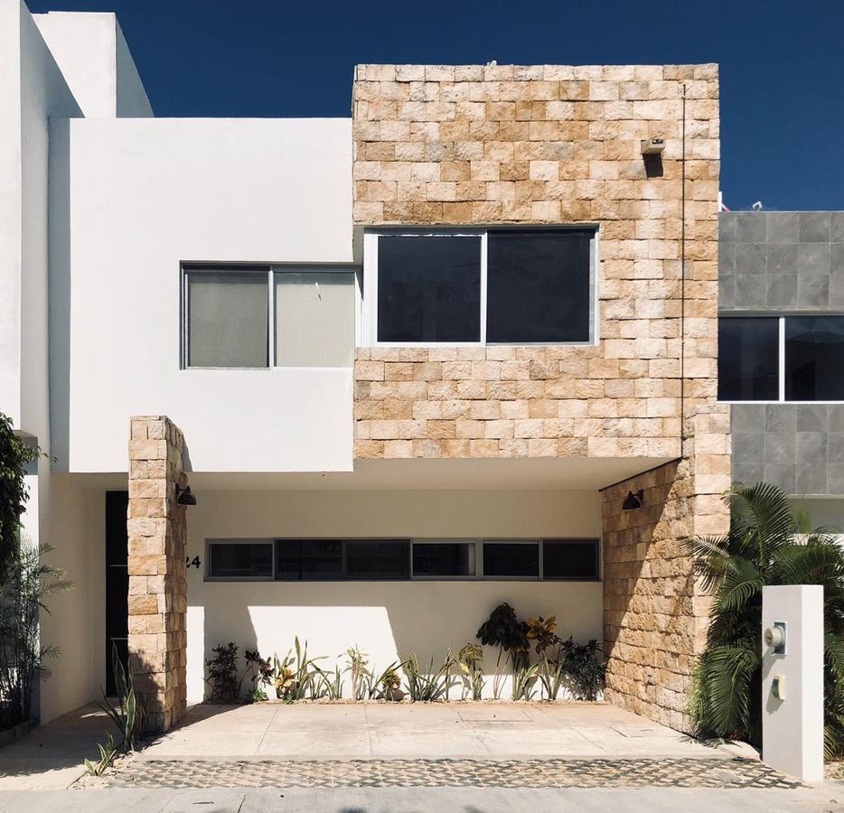 Foto Casa en Venta en  Arbolada,  Cancún  CASA EN VENTA/ RENTA EN CANCUN EN RESIDENCIAL ARBOLADA BY CUMBRES