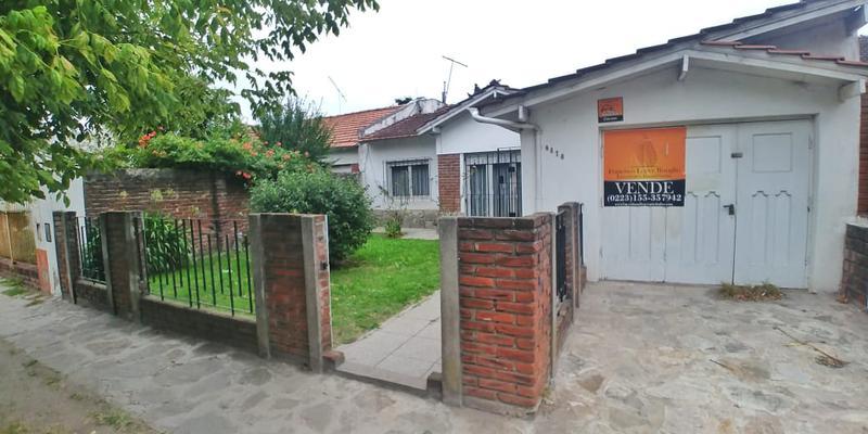 Foto Casa en Venta en  Mar Del Plata ,  Costa Atlantica  Alvarado al 6600