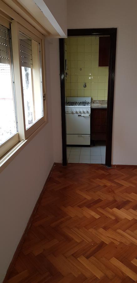 Foto Departamento en Alquiler en  Caballito ,  Capital Federal  Rojas al 300