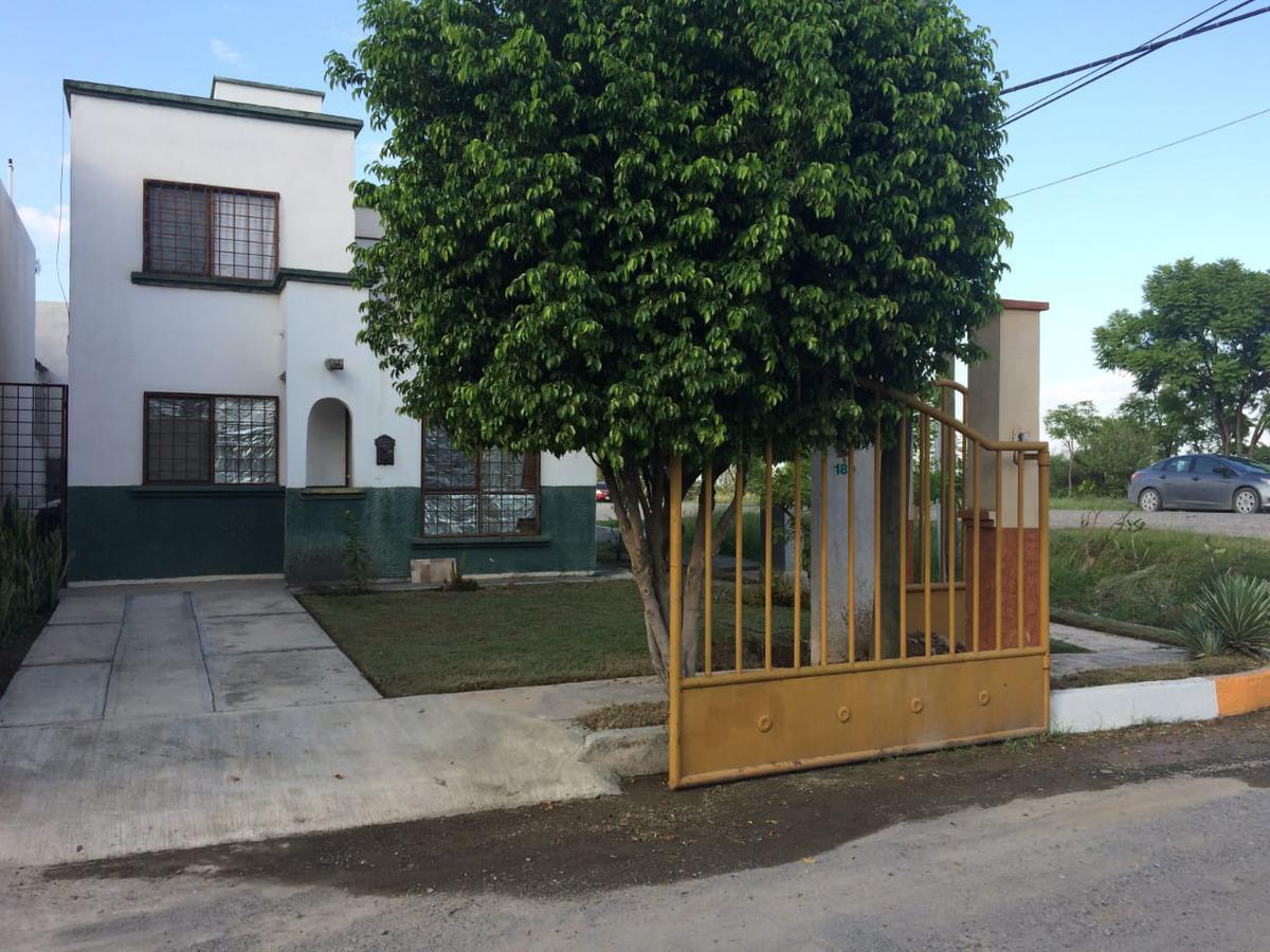Foto Casa en Venta |  en  Victoria ,  Tamaulipas  PRIVADA SAN IGNAIO II, CV. VICTORIA