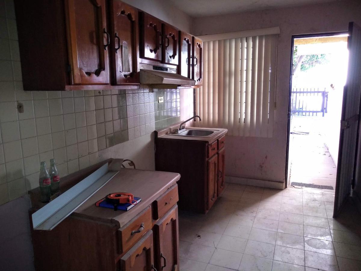 Foto Casa en Venta en  Centro,  Guasave  CASA EN VENTA EN MUY BUENA UBICACION, EN FRENTE DE CHRYSLER CALLE BENIGNO VALENZUELA, 3 RECAMARAS, GUASAVE, SIN