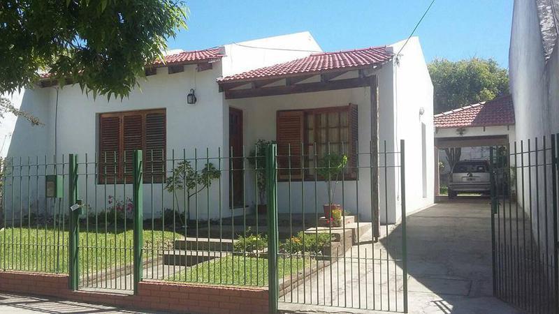 Foto Casa en Alquiler en  La Plata,  La Plata  66 28 y 29