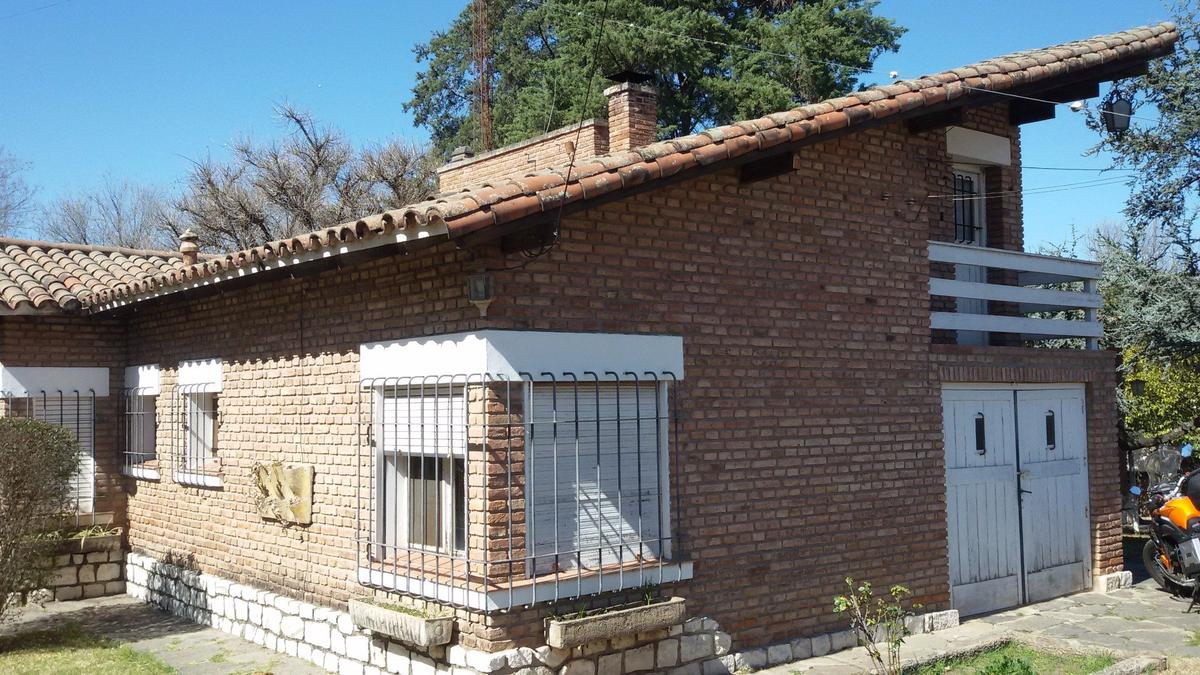 Foto Casa en Venta en  Cosquin,  Punilla  12 de Octubre al 1500