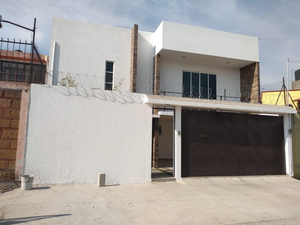Foto Casa en condominio en Renta en  Capultitlan,  Toluca  Venta o renta en la Primera cerrada de LUIS DONALDO COLOSIO S/N