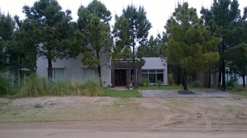 Foto Casa en Alquiler temporario en  Costa Esmeralda,  Punta Medanos          Residencial 132