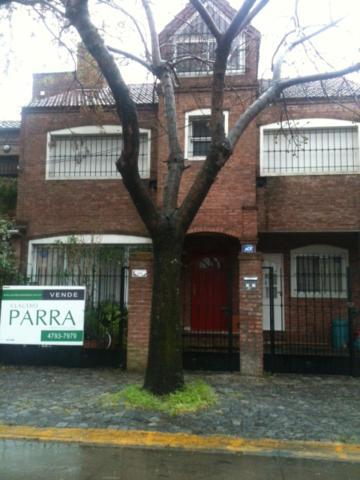 Foto Casa en Venta en  Acassuso,  San Isidro  GRAL PUEYRREDON al 276 entre ARENALES y VIAS