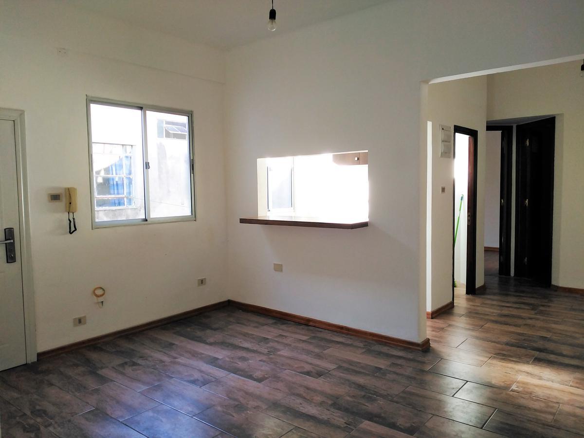 Foto Apartamento en Venta en  Ciudad Vieja ,  Montevideo  Piedras al 200