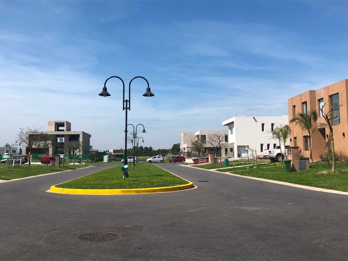 Foto Terreno en Venta |  en  Countries/B.Cerrado (Tigre),  Tigre  Las TIpas, Nordelta. Excelente lote interno con orientacion Norte!