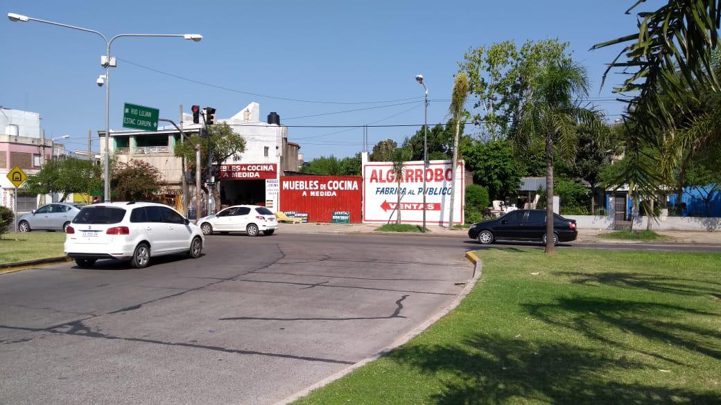 Foto Nave Industrial en Venta en  S.Fer.-Carupa,  San Fernando  ECH 1195 m2 sobre imp avenida