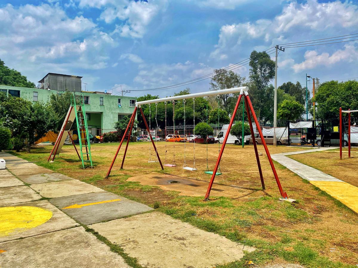 Foto Departamento en Venta en  Rosario,  Tlalnepantla de Baz  Lecheros Entrada 25 Mz. 1-A Edificio Patricio Lumbumba Depto. 1 Unidad El Rosario II Sector II
