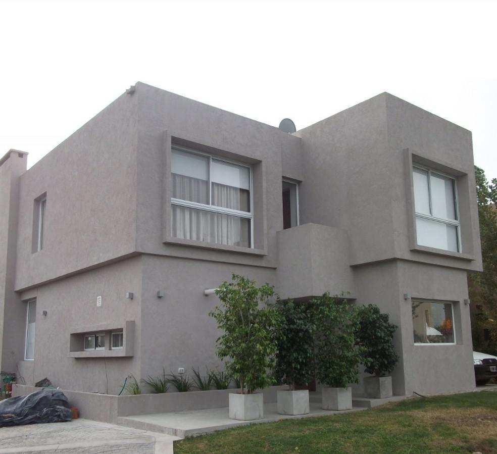 Foto Casa en Venta en  Santa Clara,  Villanueva  Venta casa clásica 5 amb. Barrio Santa Clara . Villanueva . Tigre  Boulevard de Todos los Santos al 5700