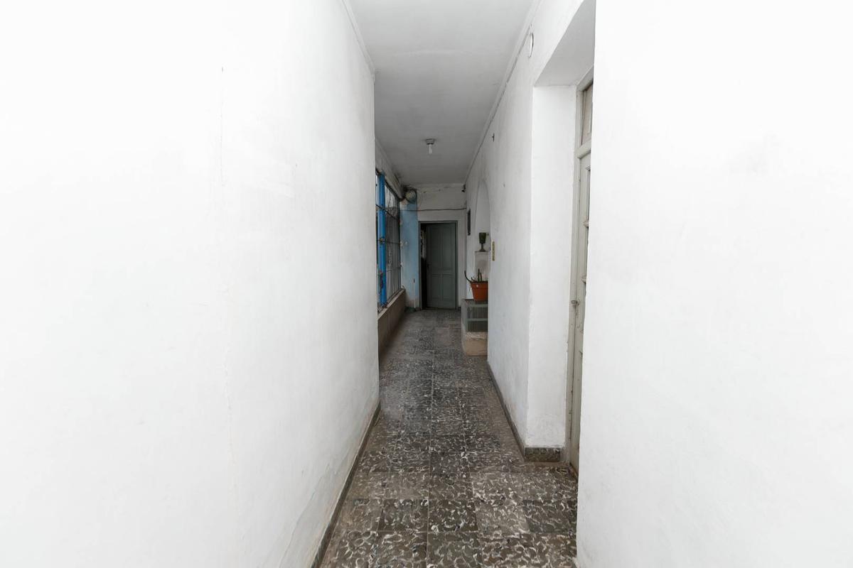Foto Casa en Venta en  San Miguel De Tucumán,  Capital  Siria 1300