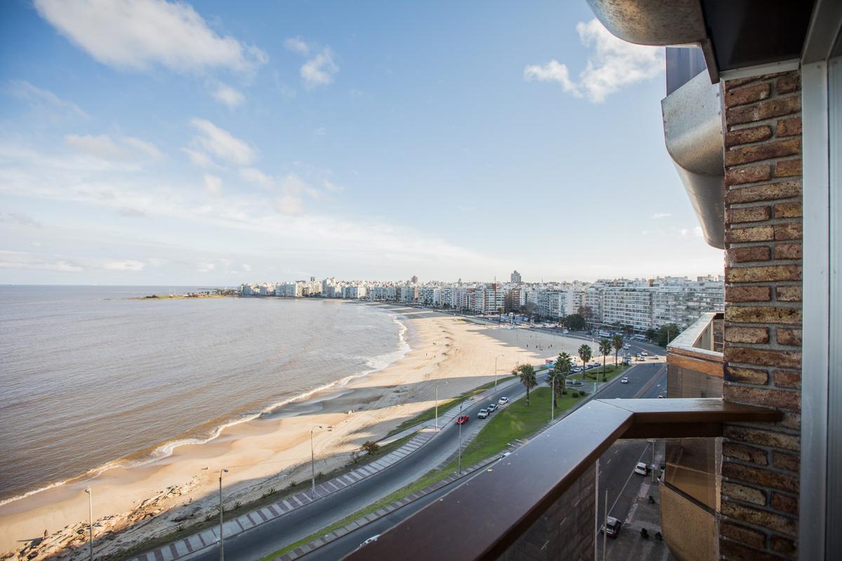 Foto Apartamento en Alquiler en  Pocitos Nuevo ,  Montevideo  Rambla Rep. del Perú al 1400