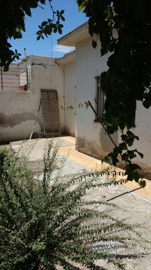 Foto Casa en Venta en  Capital ,  San Juan  Tucumán al 500