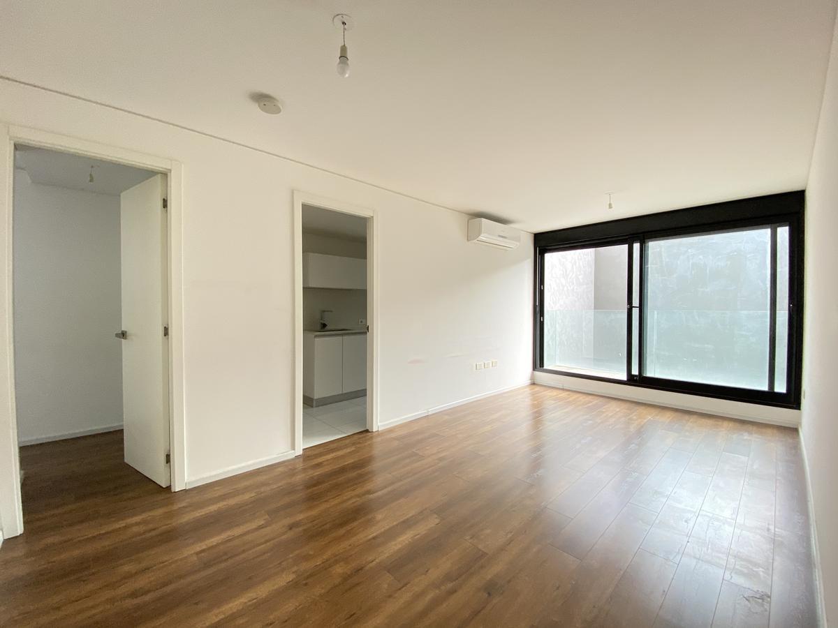Foto Apartamento en Alquiler en  Ciudad Vieja ,  Montevideo  Andes al 1100