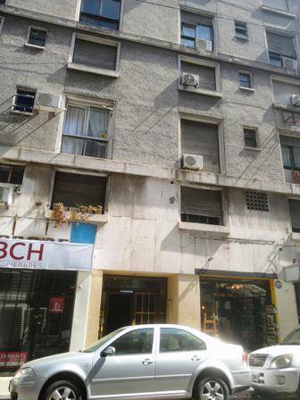 Foto Departamento en Alquiler en  Monserrat,  Centro (Capital Federal)  Chacabuco 145, Piso 4°, depto 47