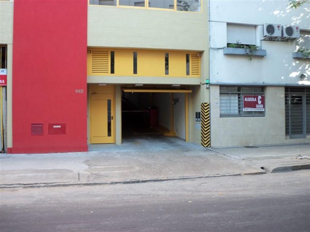 Foto Cochera en Alquiler en  La Plata ,  G.B.A. Zona Sur  47 E/ 13 y 14