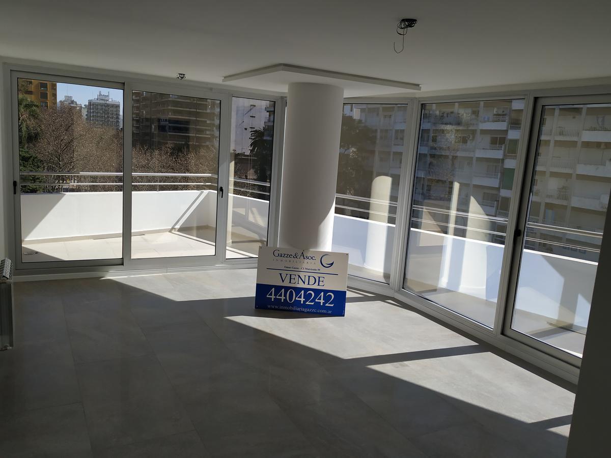 Foto Departamento en Venta en  Rosario ,  Santa Fe  Pellegrini 600