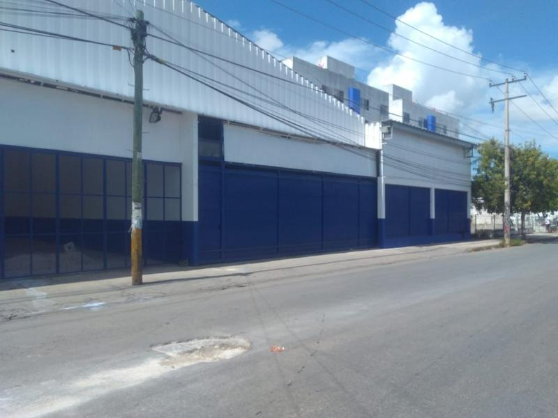 Foto Bodega Industrial en Renta en  Supermanzana 218,  Cancún  Supermanzana 218