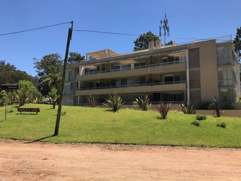 Foto Departamento en Alquiler temporario en  Punta del Este ,  Maldonado  Edificio Nativo - Madreselvas y Claveles 22