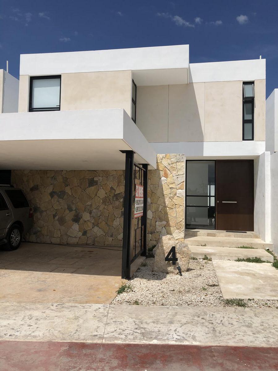 Foto Casa en Venta en  Mérida ,  Yucatán  Remato casa nueva totalmente amueblada en privada al norte de Merida