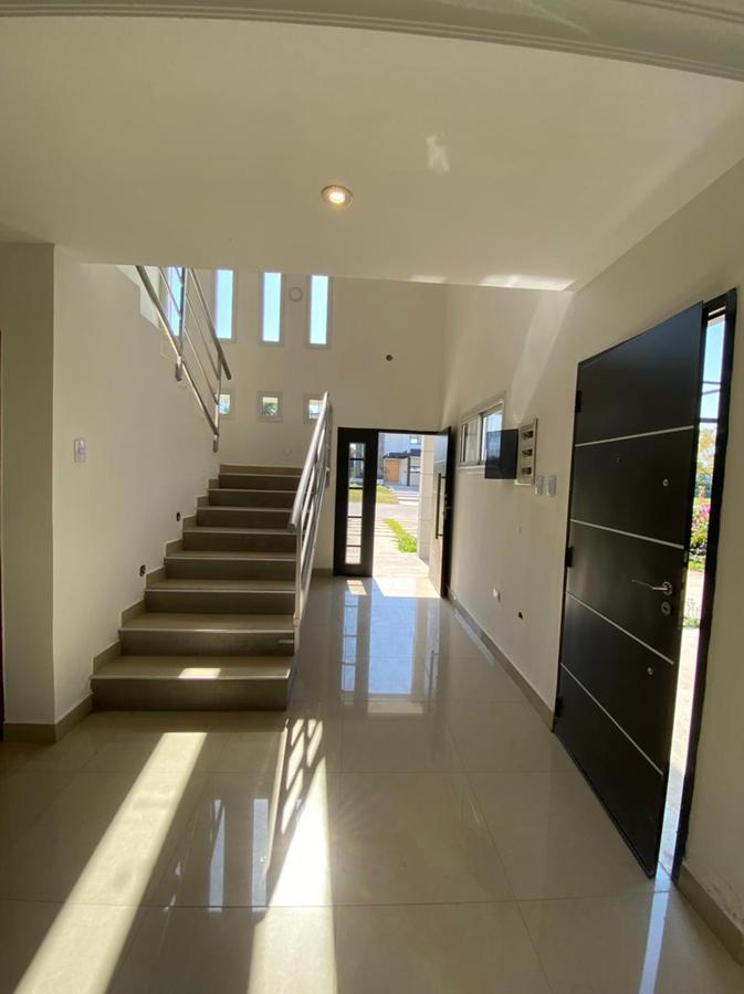 Foto Casa en Venta en  Av. Peron ,  Yerba Buena  alto verde I