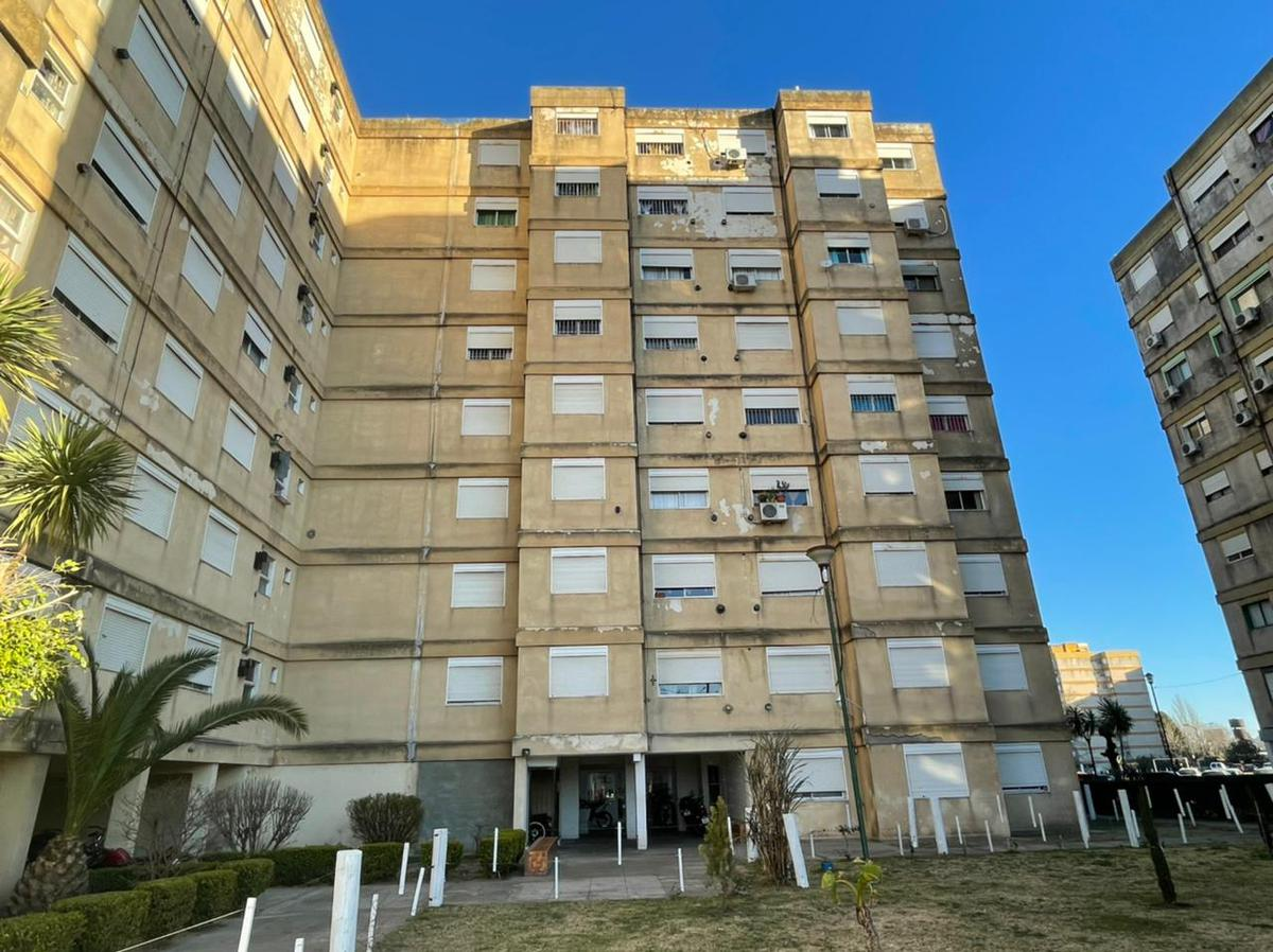 Foto Departamento en Venta en  Junin,  Junin  Foetra Torre 7