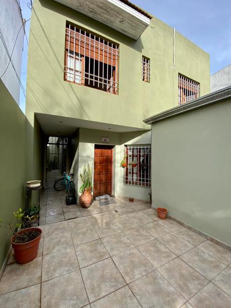 Foto PH en Venta en  La Plata ,  G.B.A. Zona Sur  37 entre 26 y 27