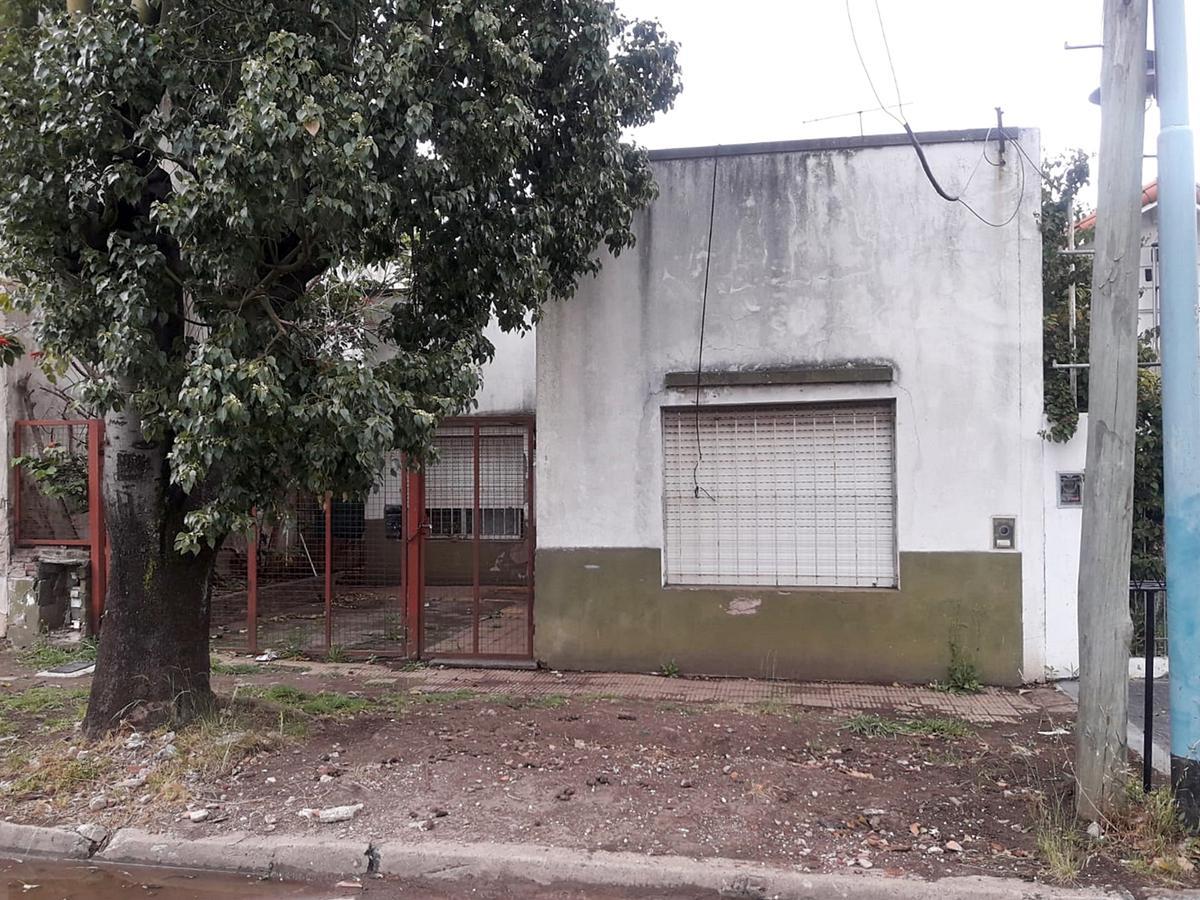 Foto Casa en Venta en  Villa Adelina,  Vicente López  Marco Sastre al 3700