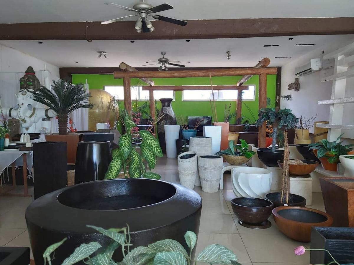 Foto Local en Venta en  Supermanzana 8,  Cancún  LOCAL COMERCIAL EN VENTA EN CANCUN EN BONFIL