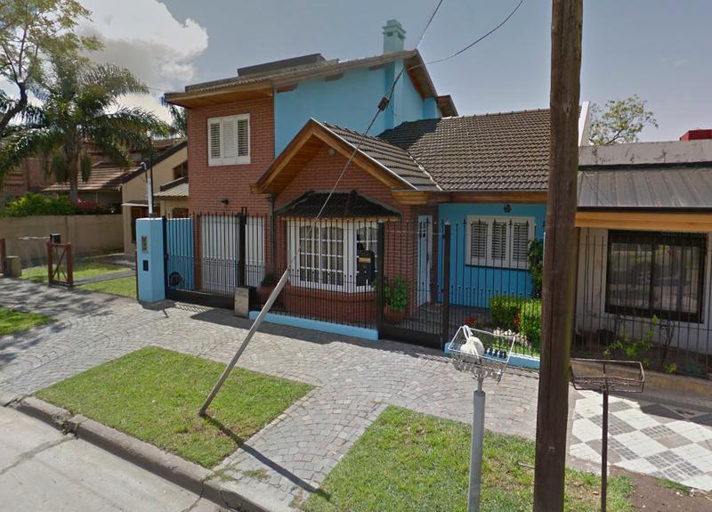 Foto Casa en Venta en  Monte Grande,  Esteban Echeverria  Alvear al 900