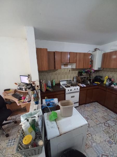 Foto Casa en Venta en  Remedios De Escalada,  Lanús  Gonzalez Balcarce al 3300