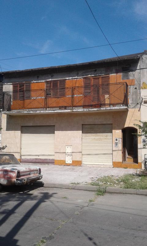 Foto PH en Venta |  en  Lanús,  Lanús  Carlos Tejedor 1800