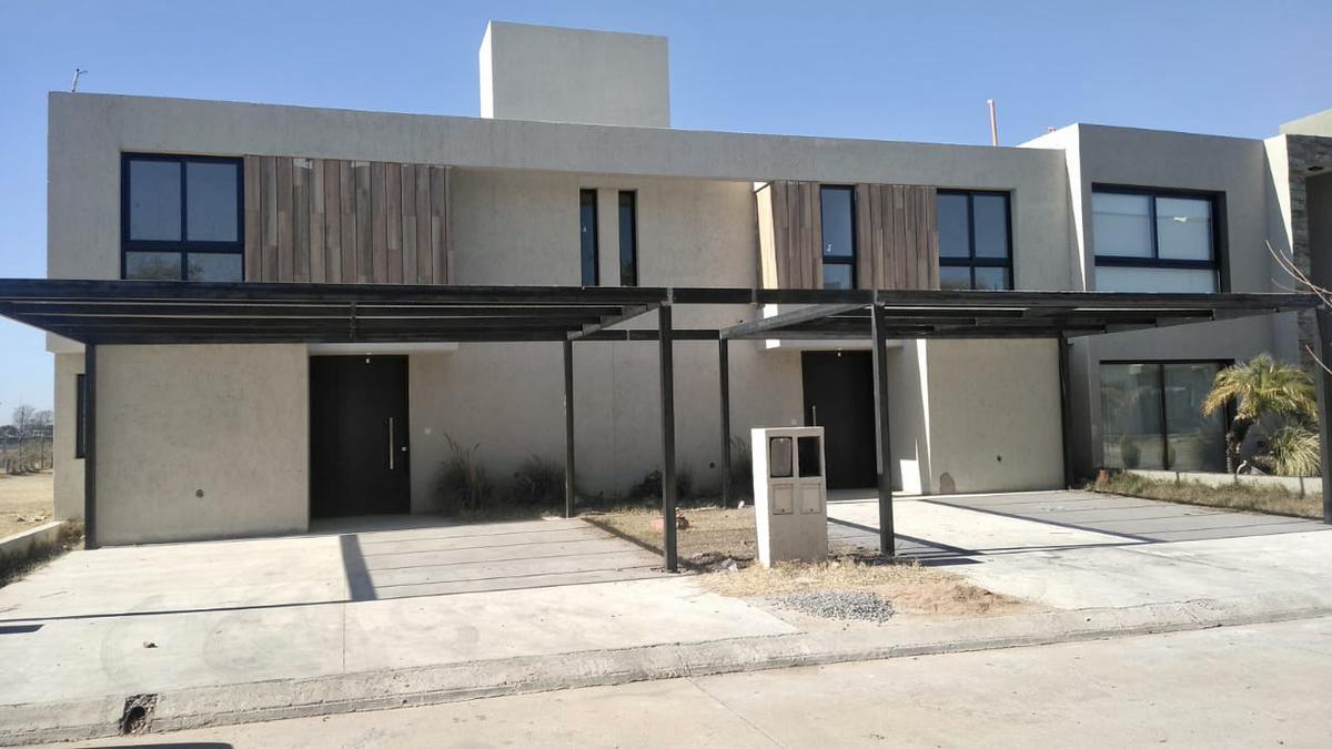 Foto Casa en Venta en  Chacras del Norte,  Cordoba Capital  Venta Duplex Chacras del Norte, Cordoba