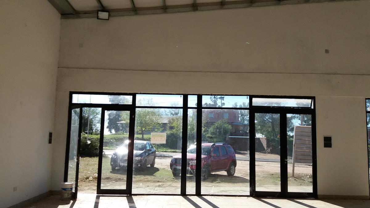 Foto Local en Alquiler en  Colon,  Colon  Ruta 26 Acceso a Colón