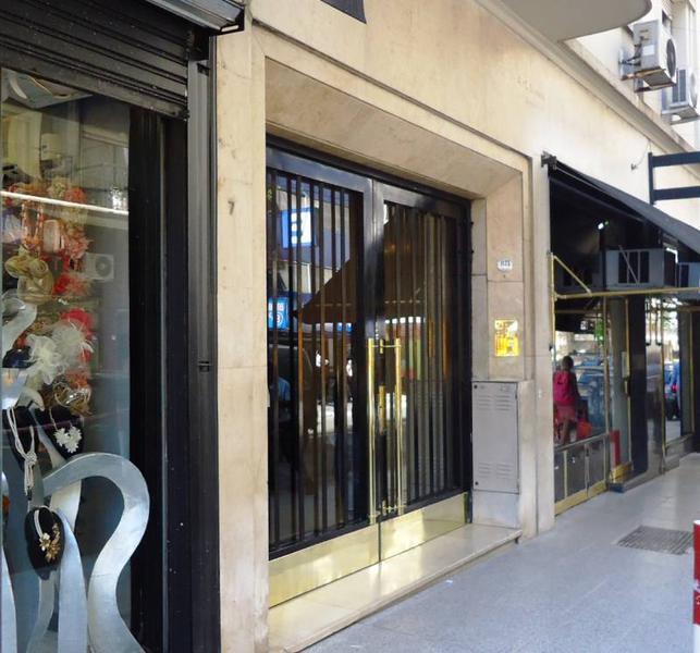 Foto Oficina en Venta en  Recoleta ,  Capital Federal  Libertad al 1100, 1 Piso