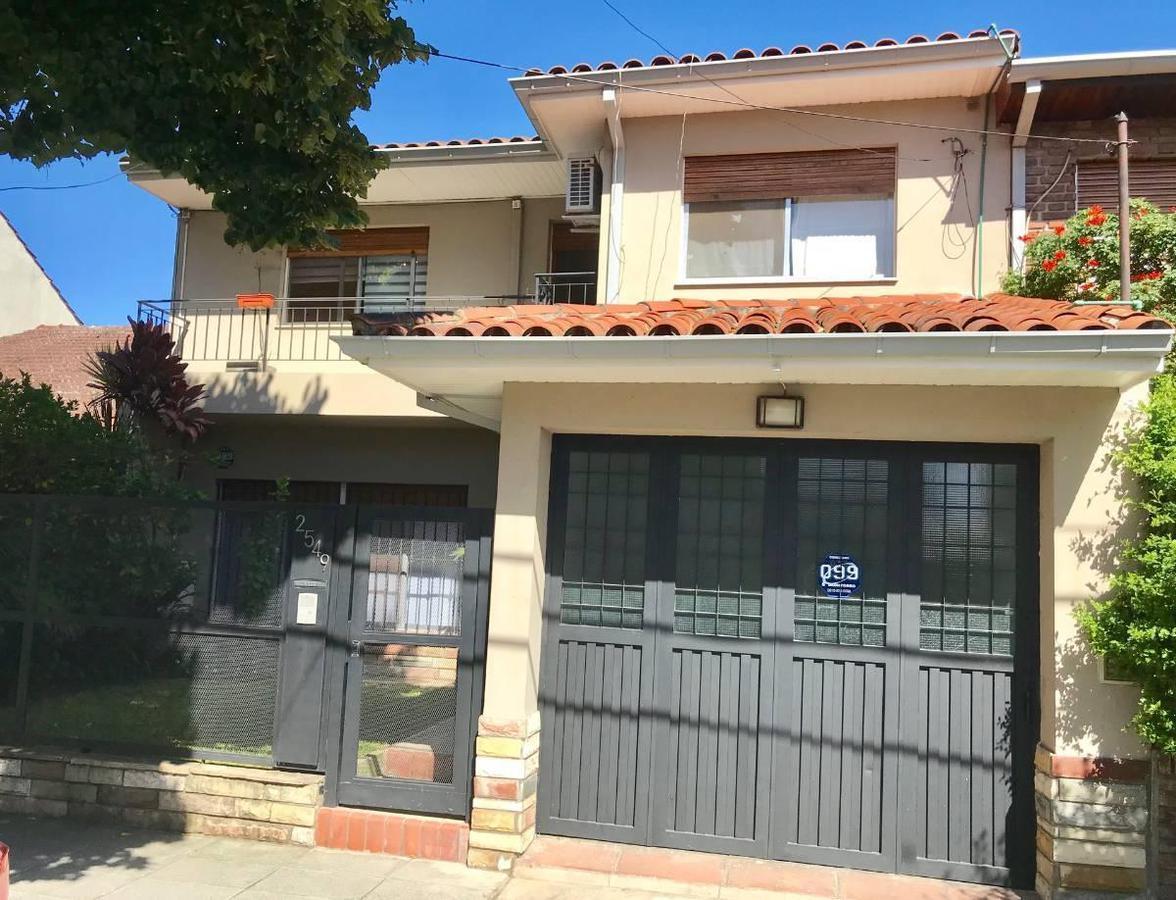 Foto Casa en Venta |  en  Martinez,  San Isidro  Beruti  al 2500