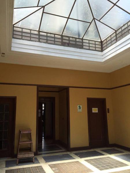 Foto Local en Venta en  Lima Cercado,  Lima  Cerca a la Plaza de Armas