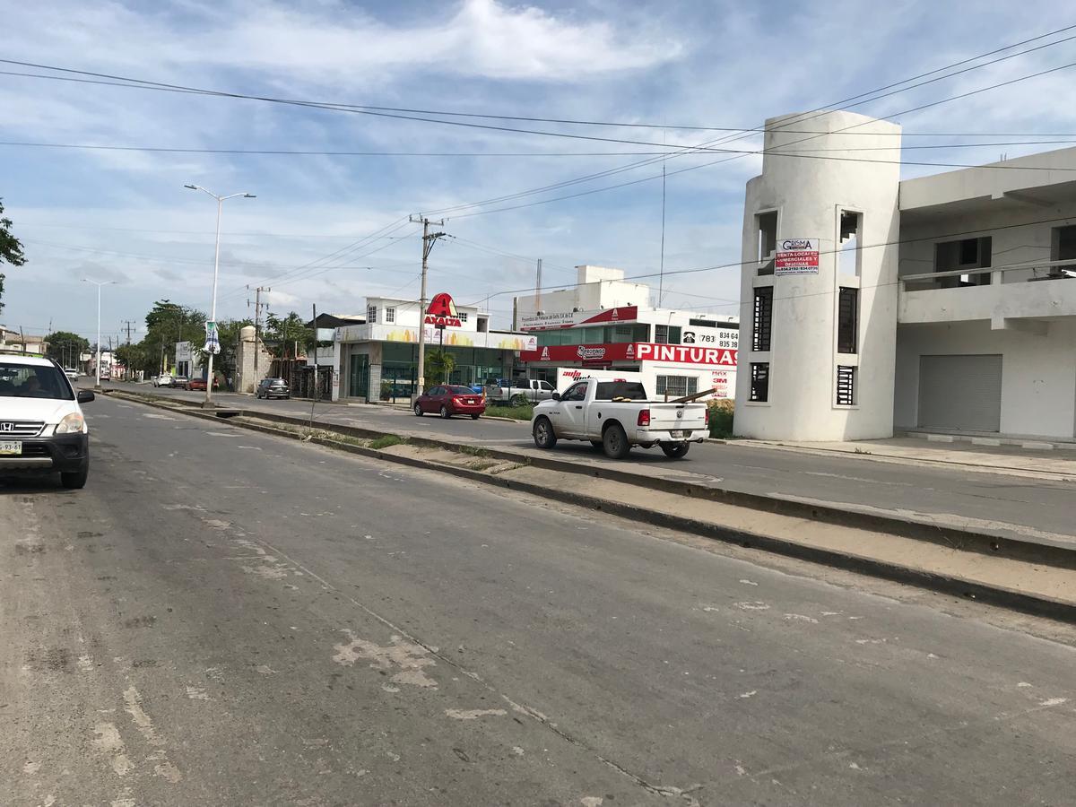 Foto Local en Renta en  Del Valle,  Tuxpan  LOCAL COMERCIAL SOBRE AV PRINCIPAL