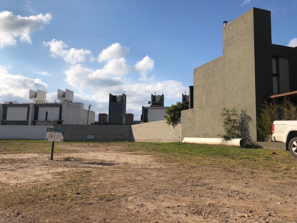 Foto Terreno en Venta en  Claros del Bosque,  Countries/B.Cerrado (Cordoba)  Claros del Bosque M31 L27