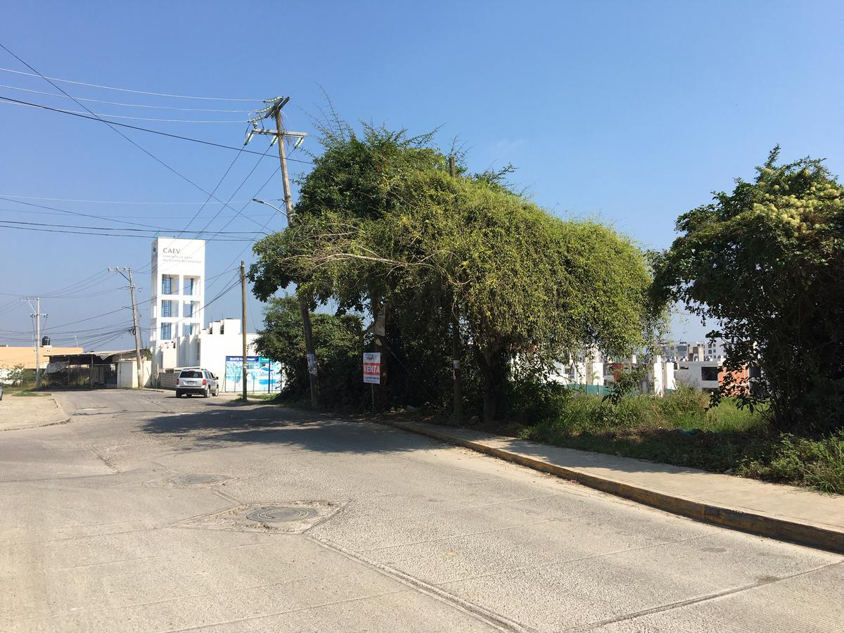 Foto Terreno en Venta en  Los Pinos,  Tuxpan  TERRENO EN VENTA AL LADO DEL FRACCIONAMIENTO CABO ALTO