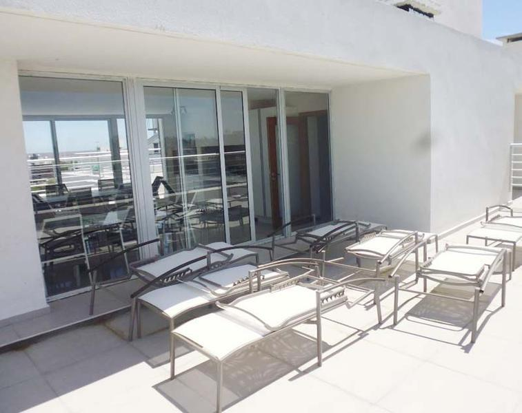 Foto Departamento en Alquiler en  Pocitos ,  Montevideo  Monoambiente piso alto