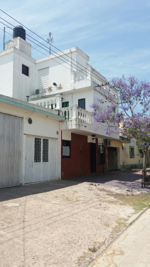 Foto Departamento en Venta en  Coronel Brandsen,  Coronel Brandsen  Azcuenaga entre San Martin y Pueyrredon