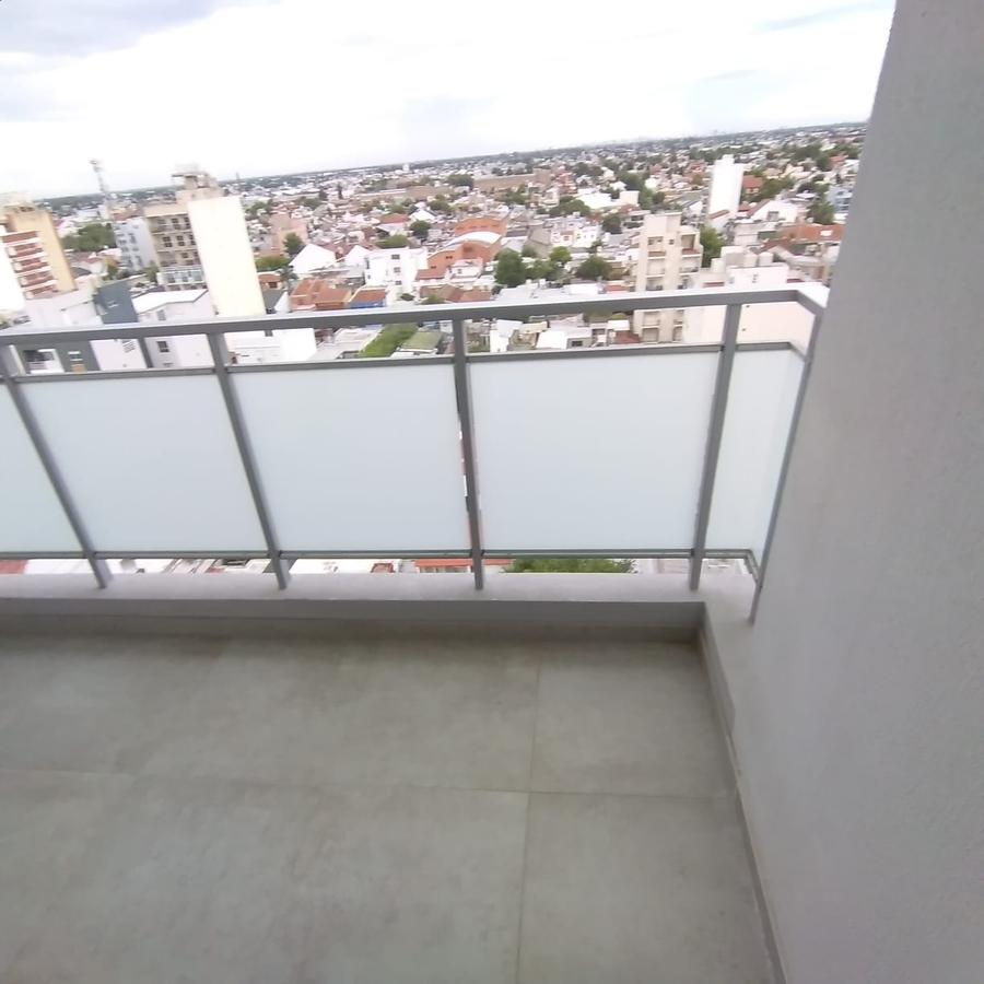 Foto Departamento en Venta en  Wilde,  Avellaneda  Av. Mitre al 5900